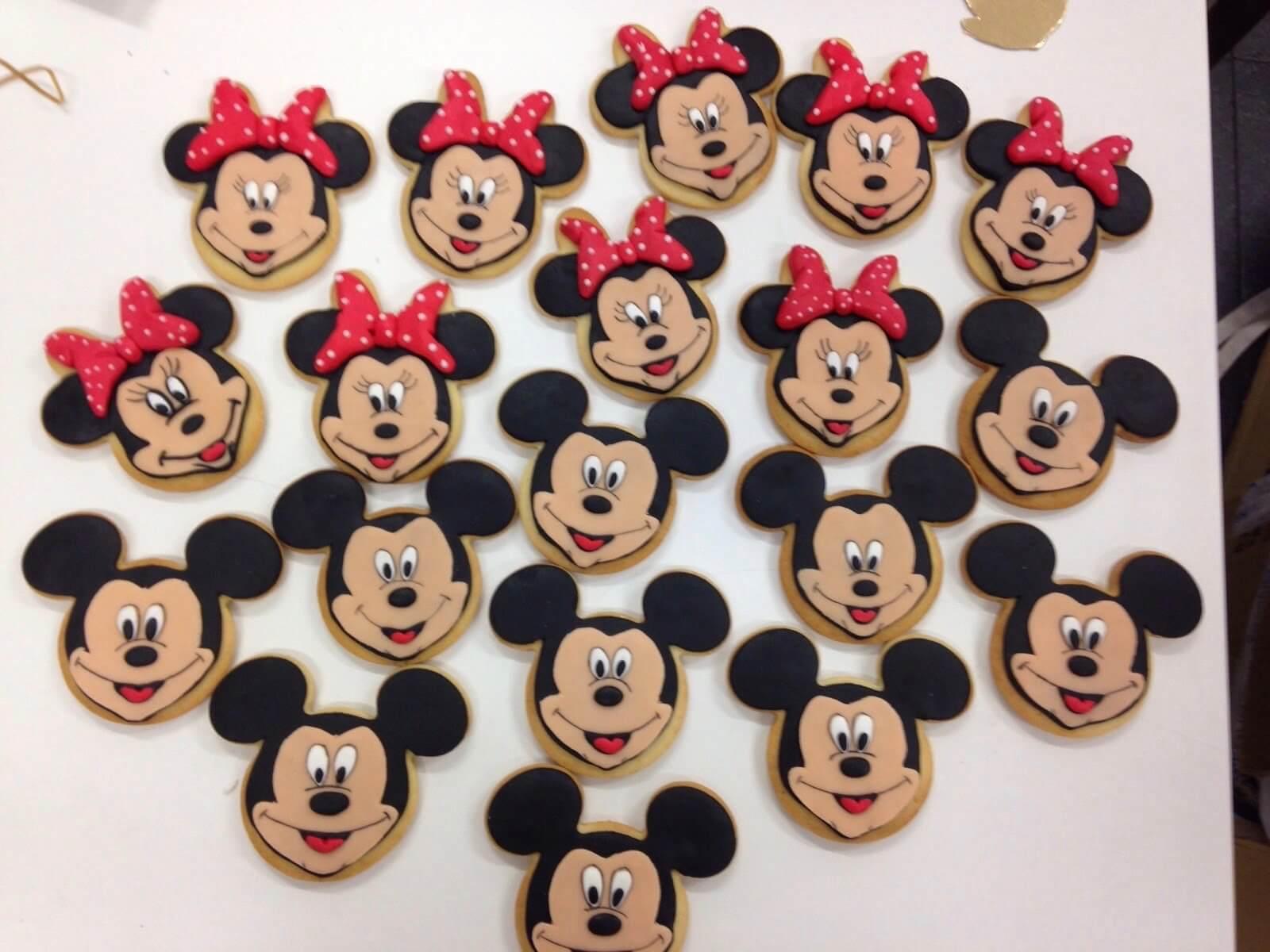 Galletas decoradas personalizadas Mickey  Minnie coruña