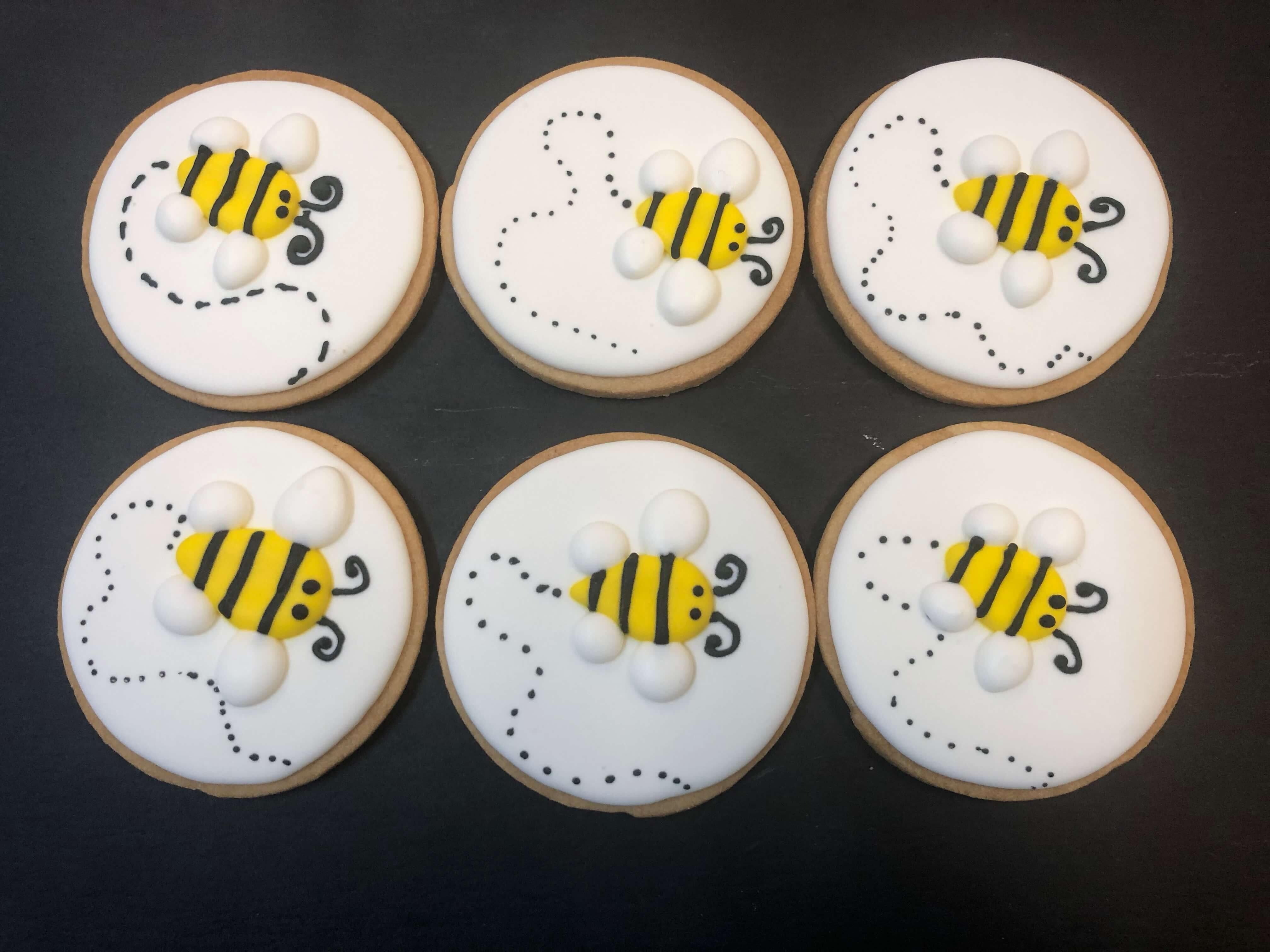 Galletas cumpleaños abeja coruña