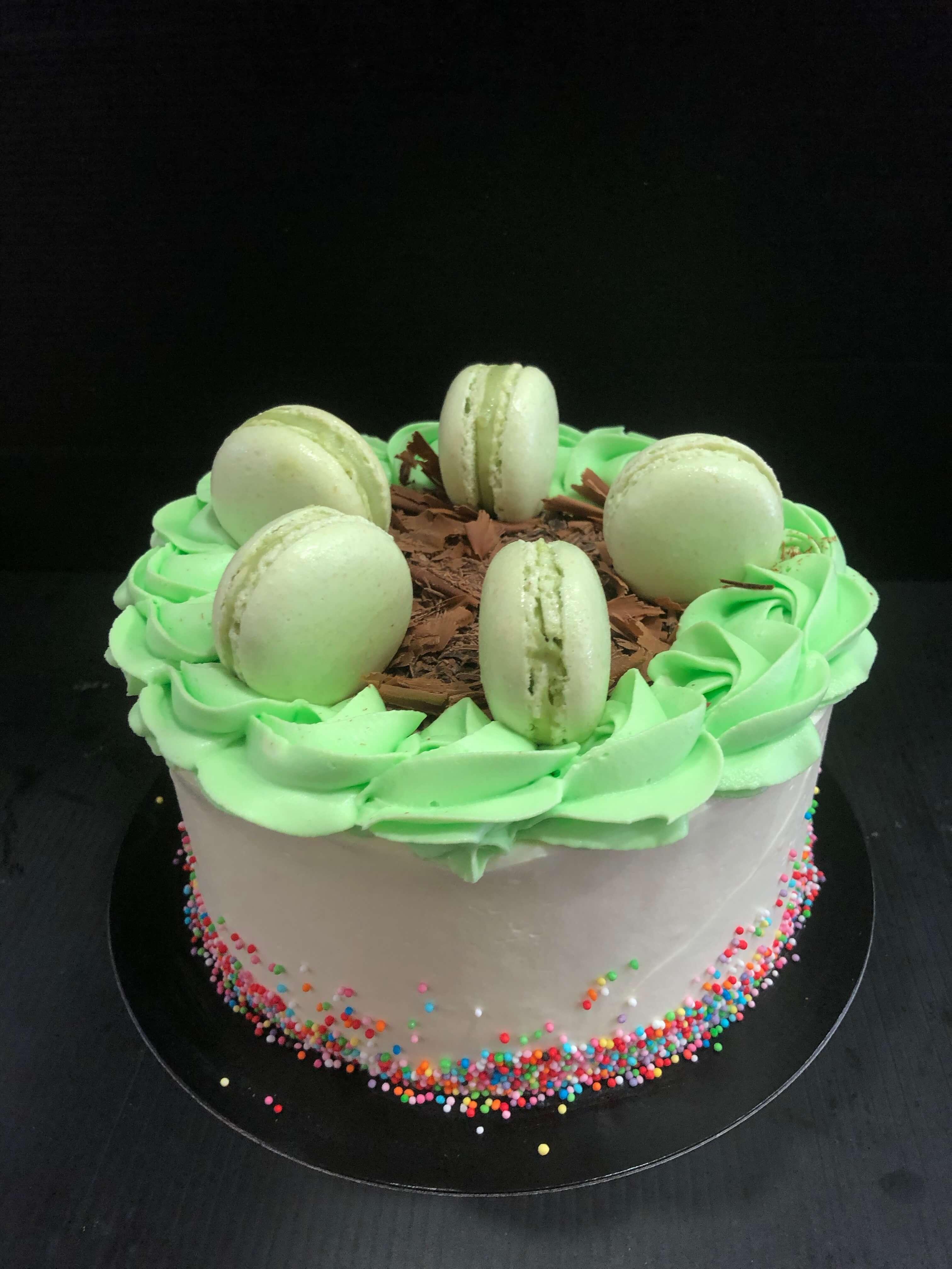 tarta cumpleaños coruña macaros