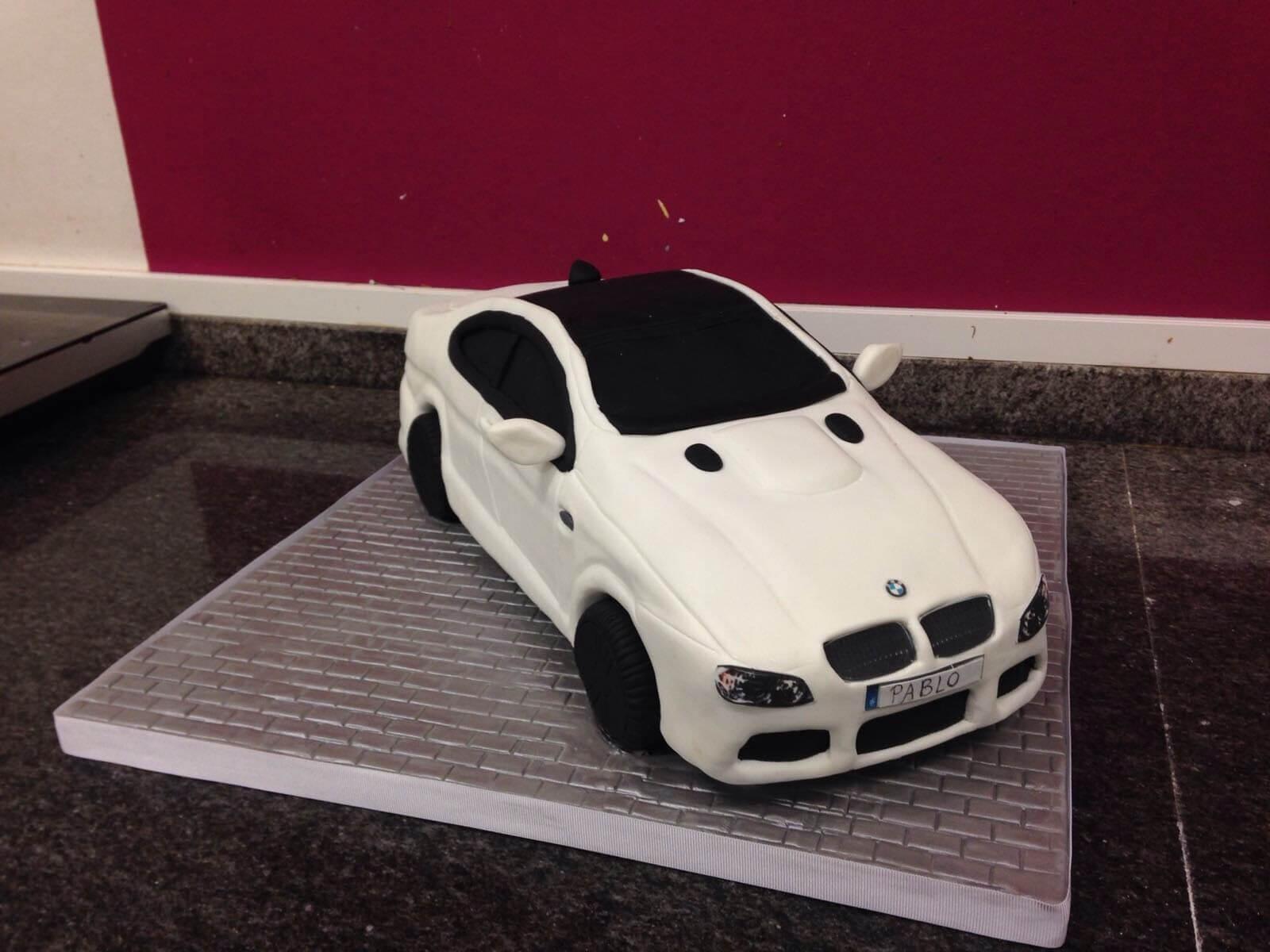 Tarta cumpleaños personalizada BMW coche coruña fondant
