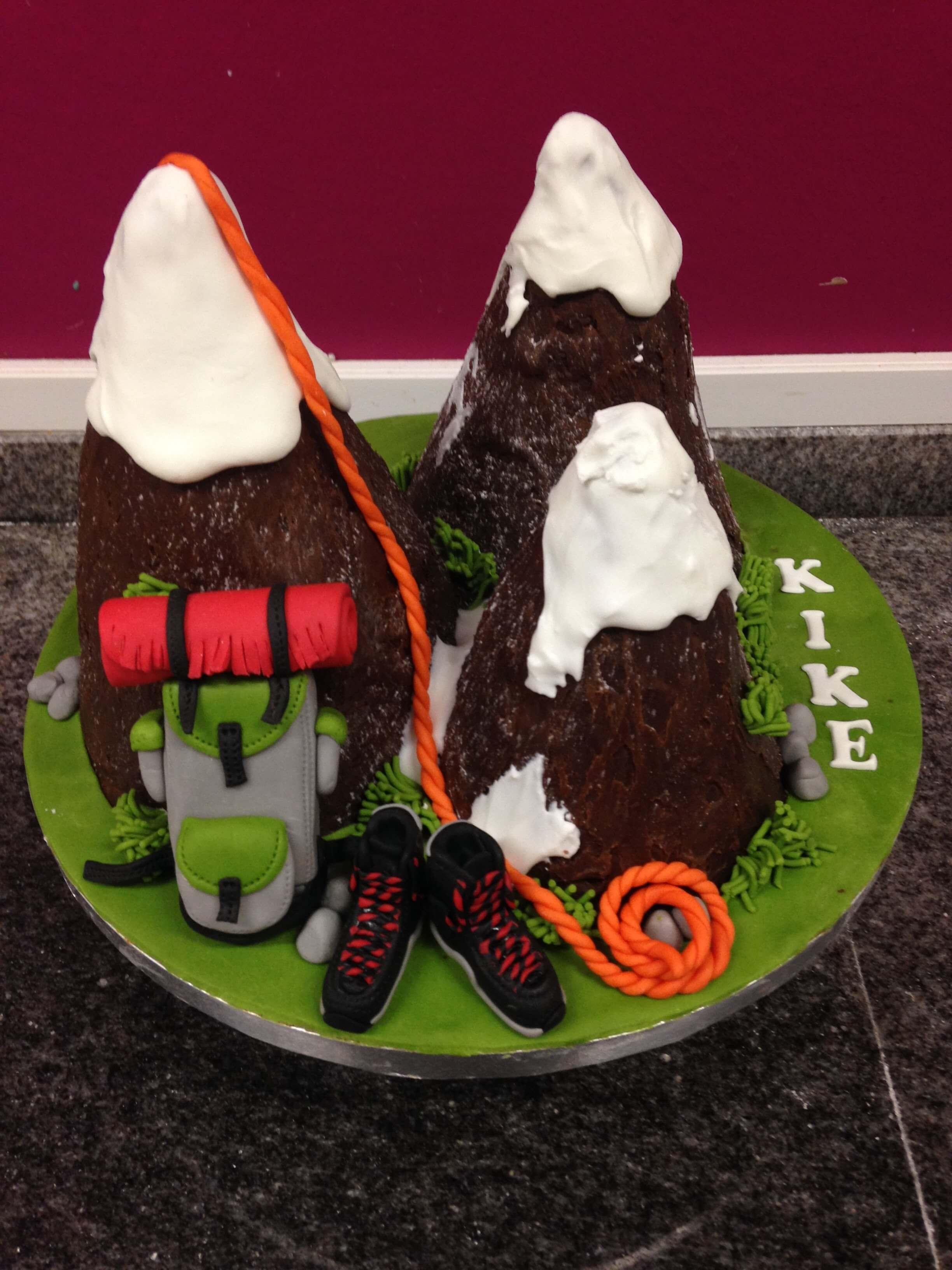 cumpleaños escalada coruña tarta montañ