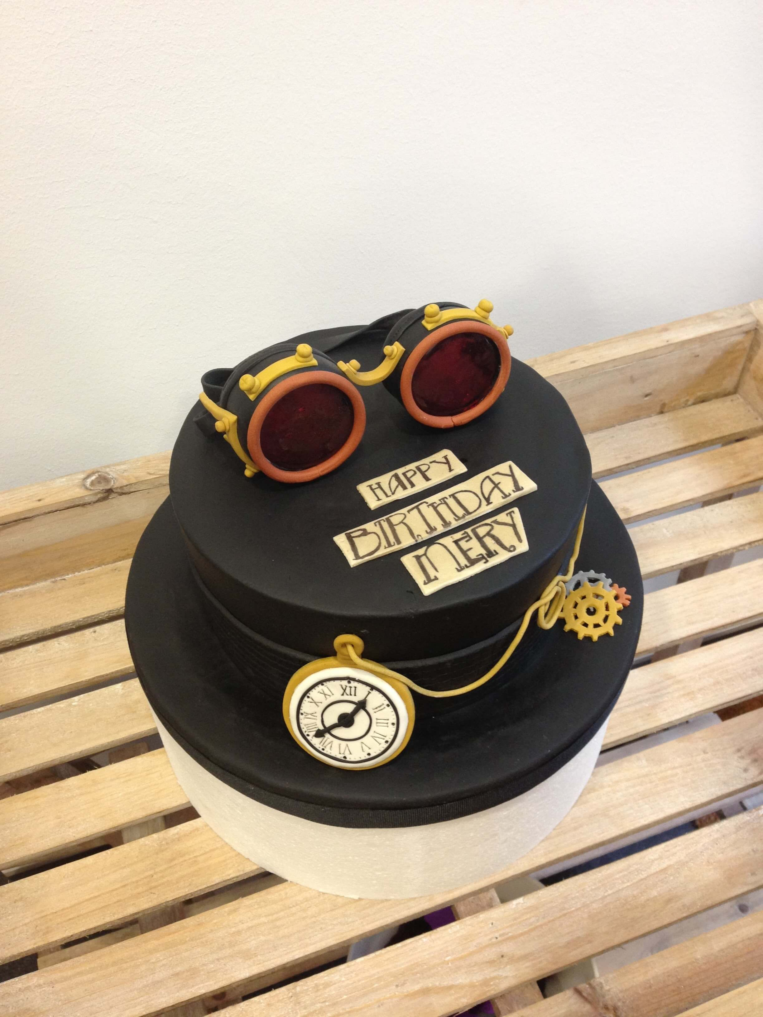Tarta cumpleaños fondant personalizada steampunk Coruña original