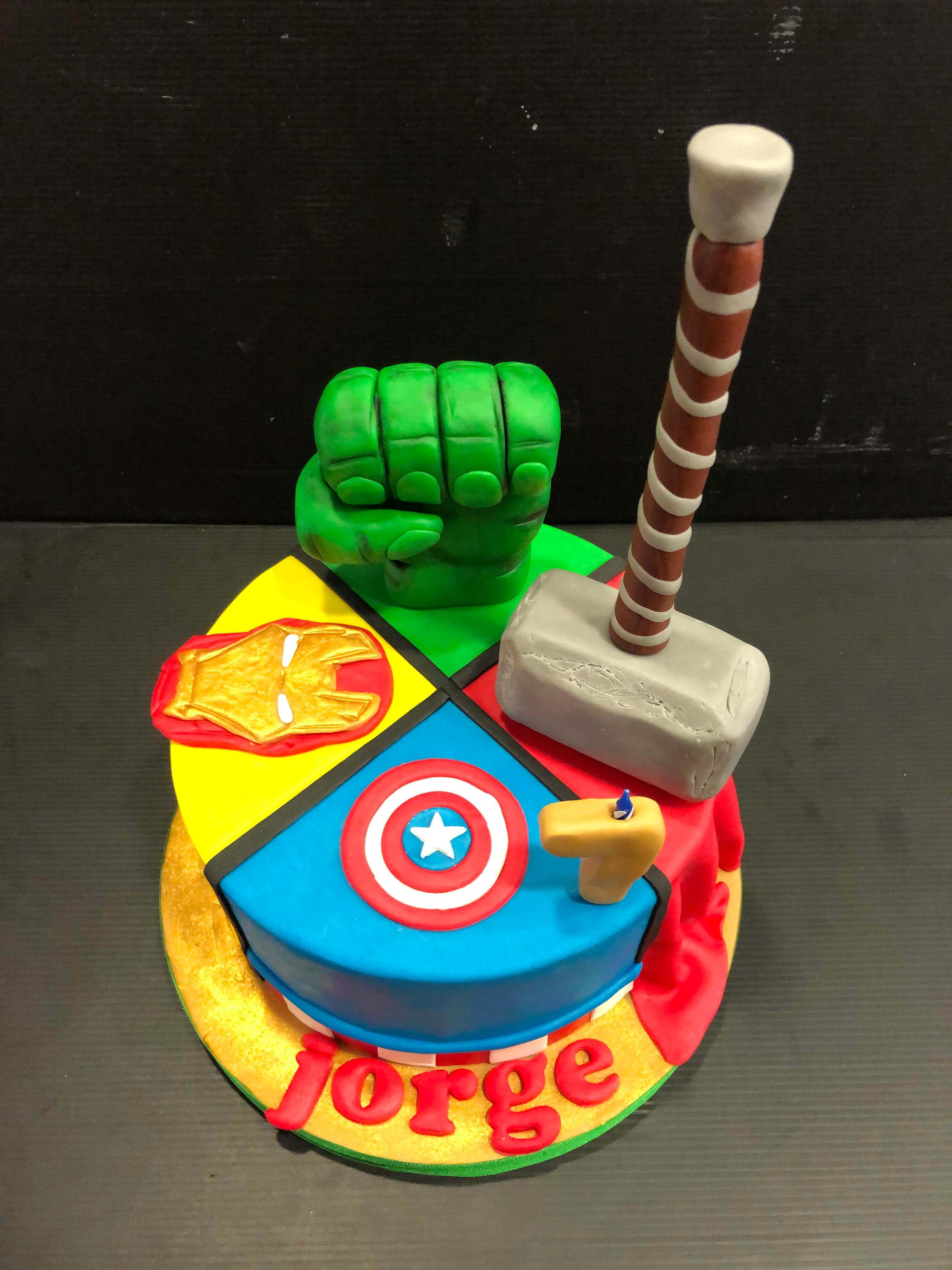 Tarta fondnat vengadores ironman thor hulk capitán américa
