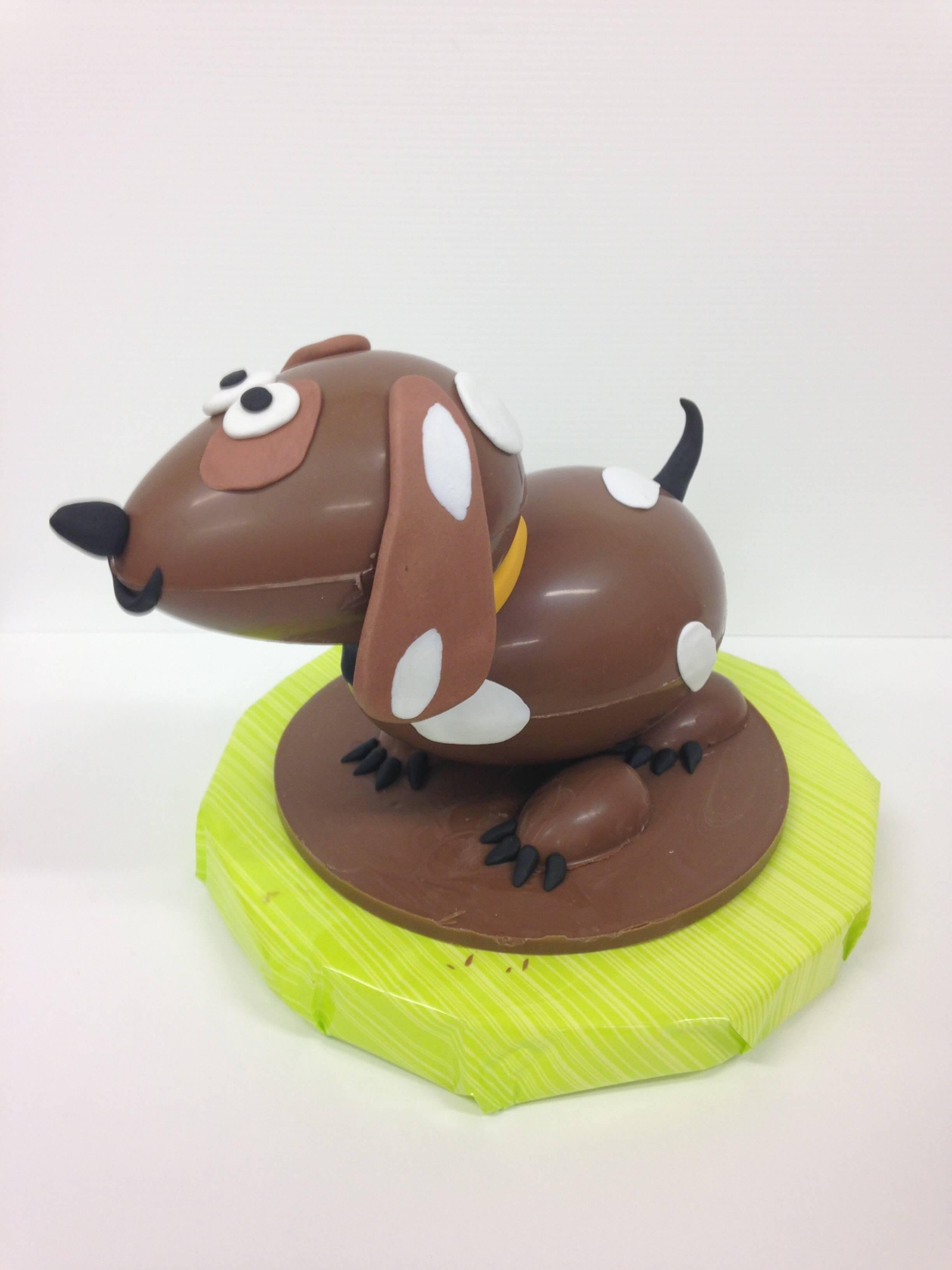 huevo de pascua figura de pascua chocolate perro coruña