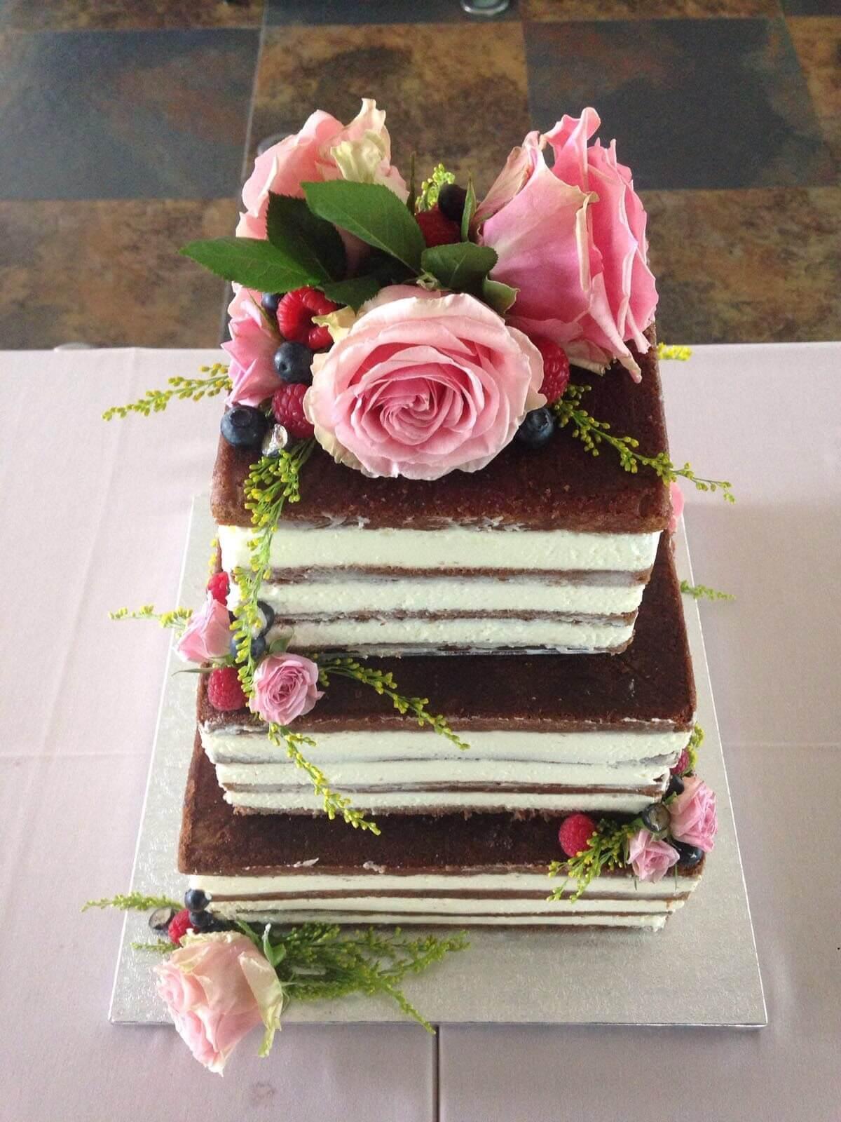 Tarta boda naked cake desnuda coruña flores y frutas Tarta boda naked cake desnuda coruña flores y frutas