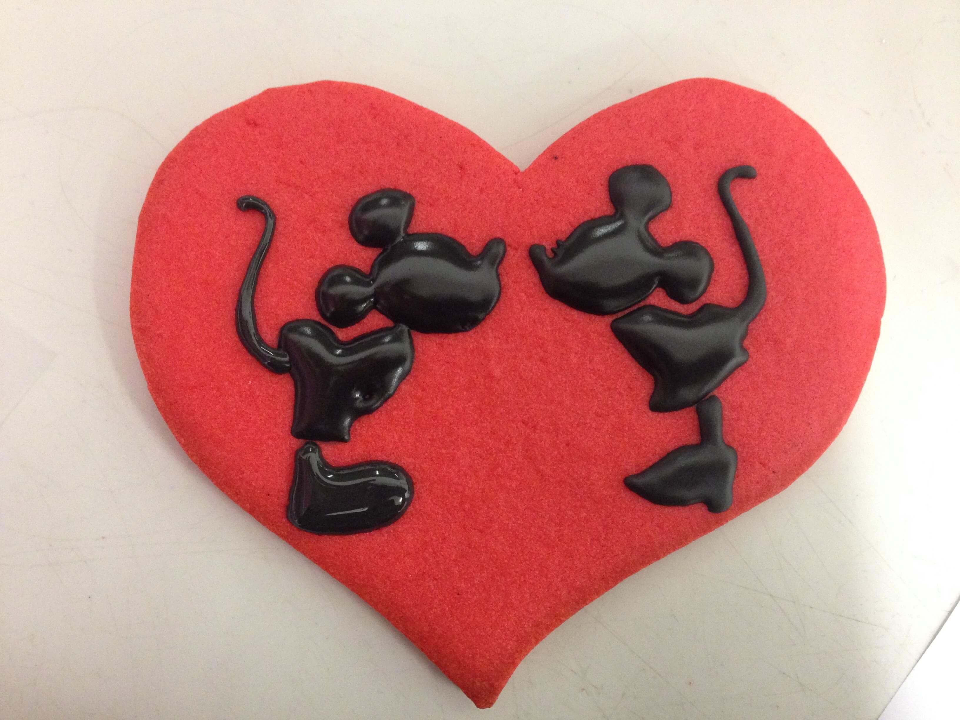 Galletas personalizadas Mickely y minnie corazón coruña