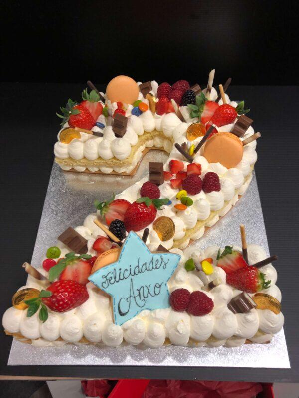 Letter Cake o number Cake