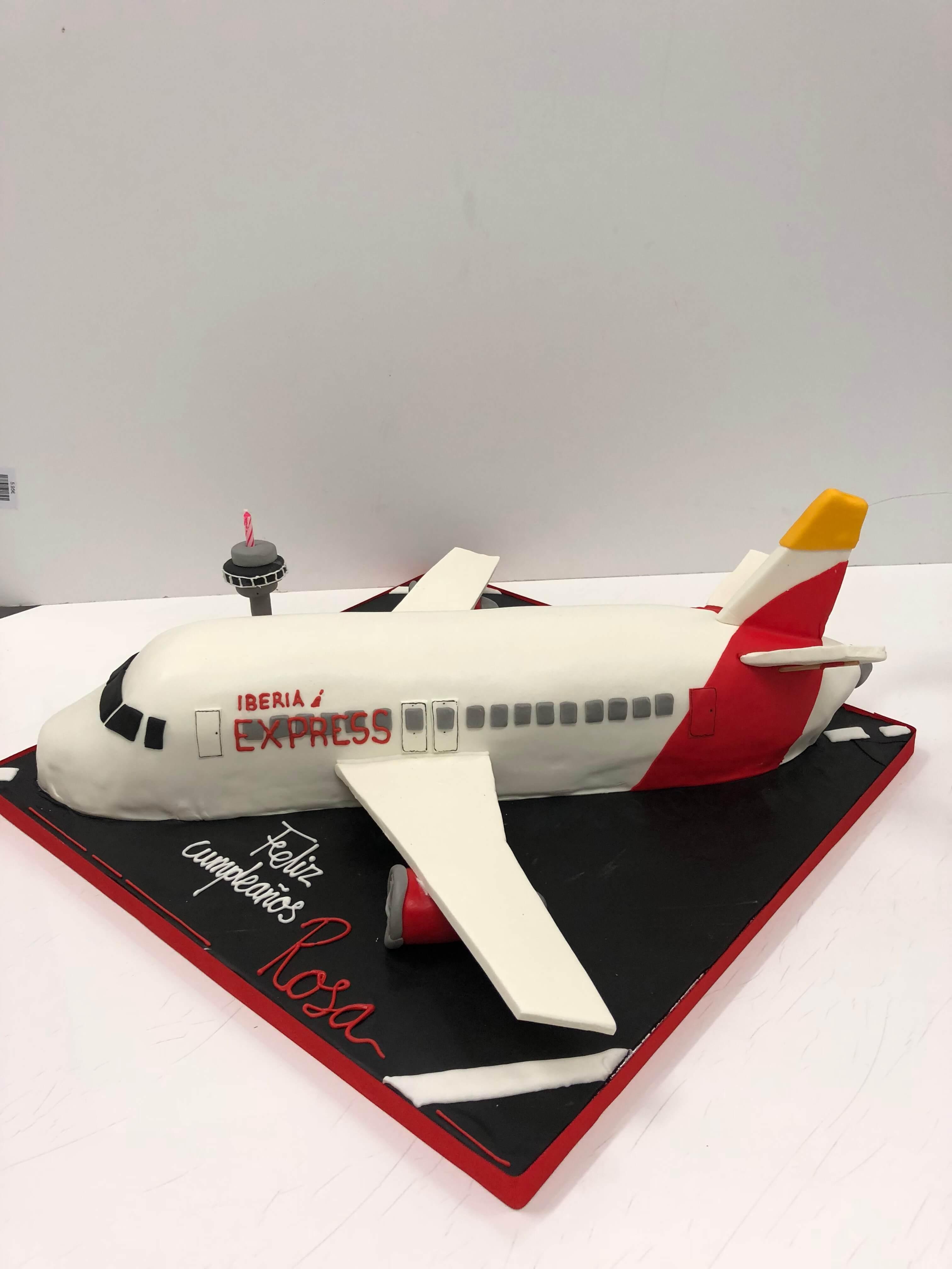 Tarta cumpleaños Avión Iberia coruña personalizada Fondant