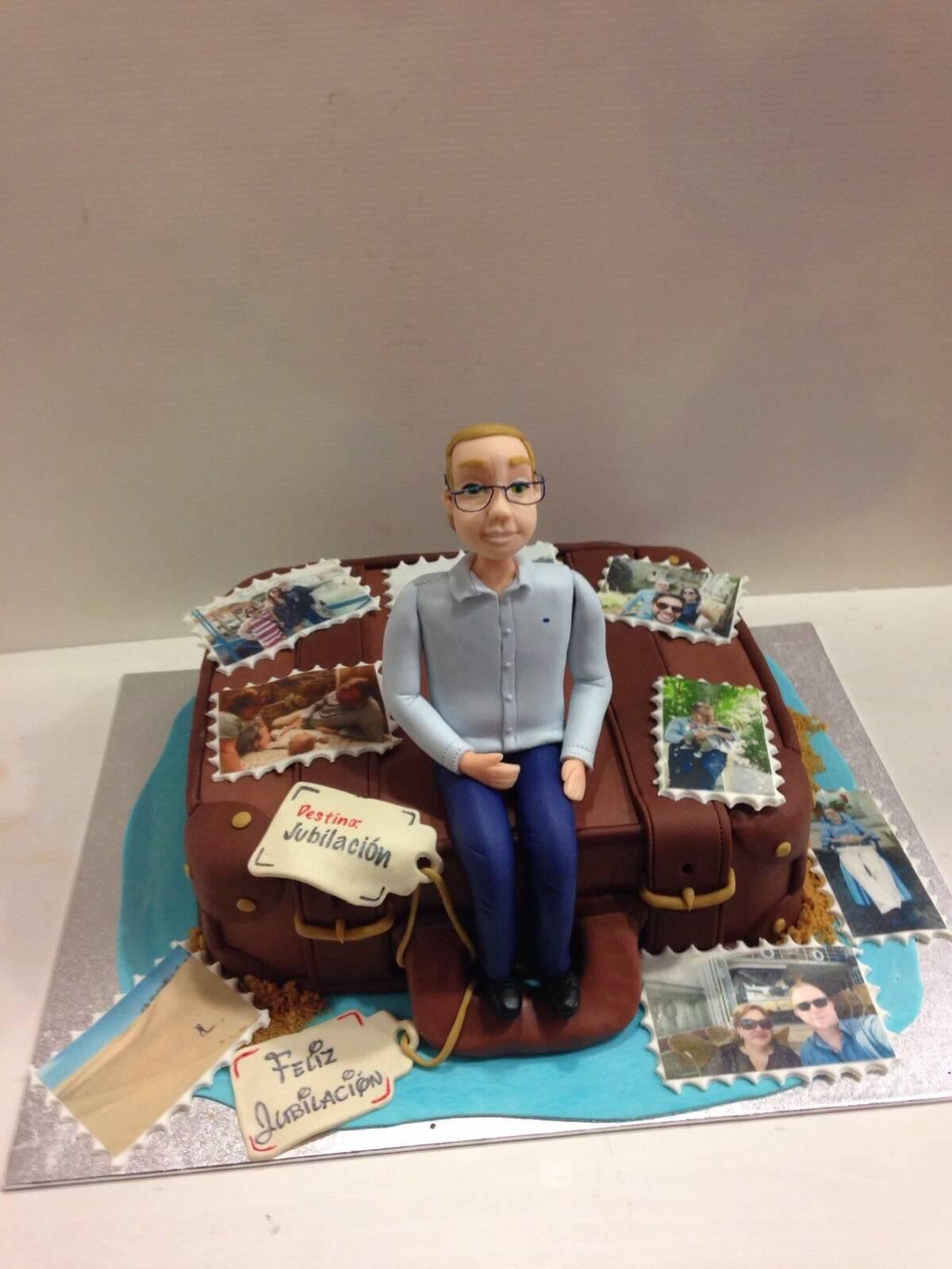 tarta personalizada cumpleaños maleta viajes coruña