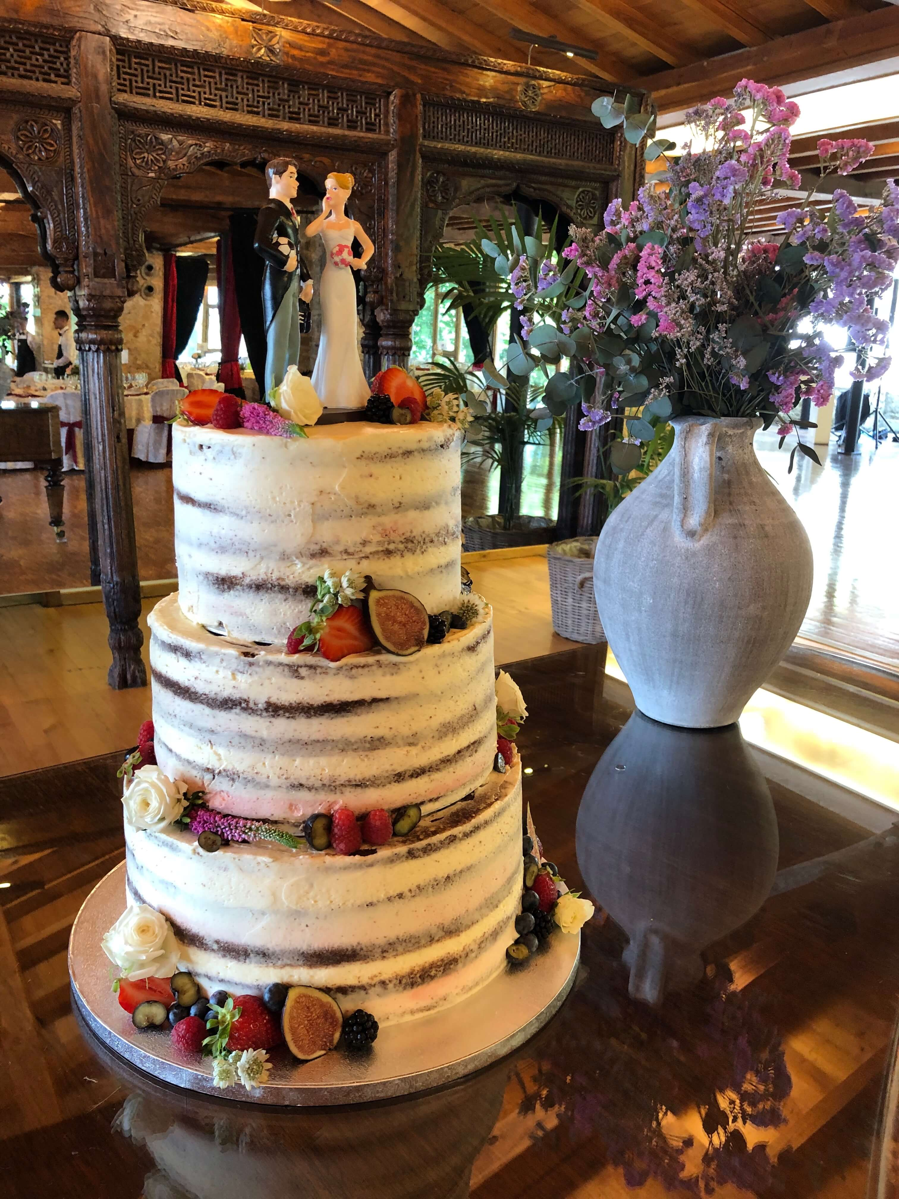 Tarta boda naked cake desnuda coruña flores y frutas