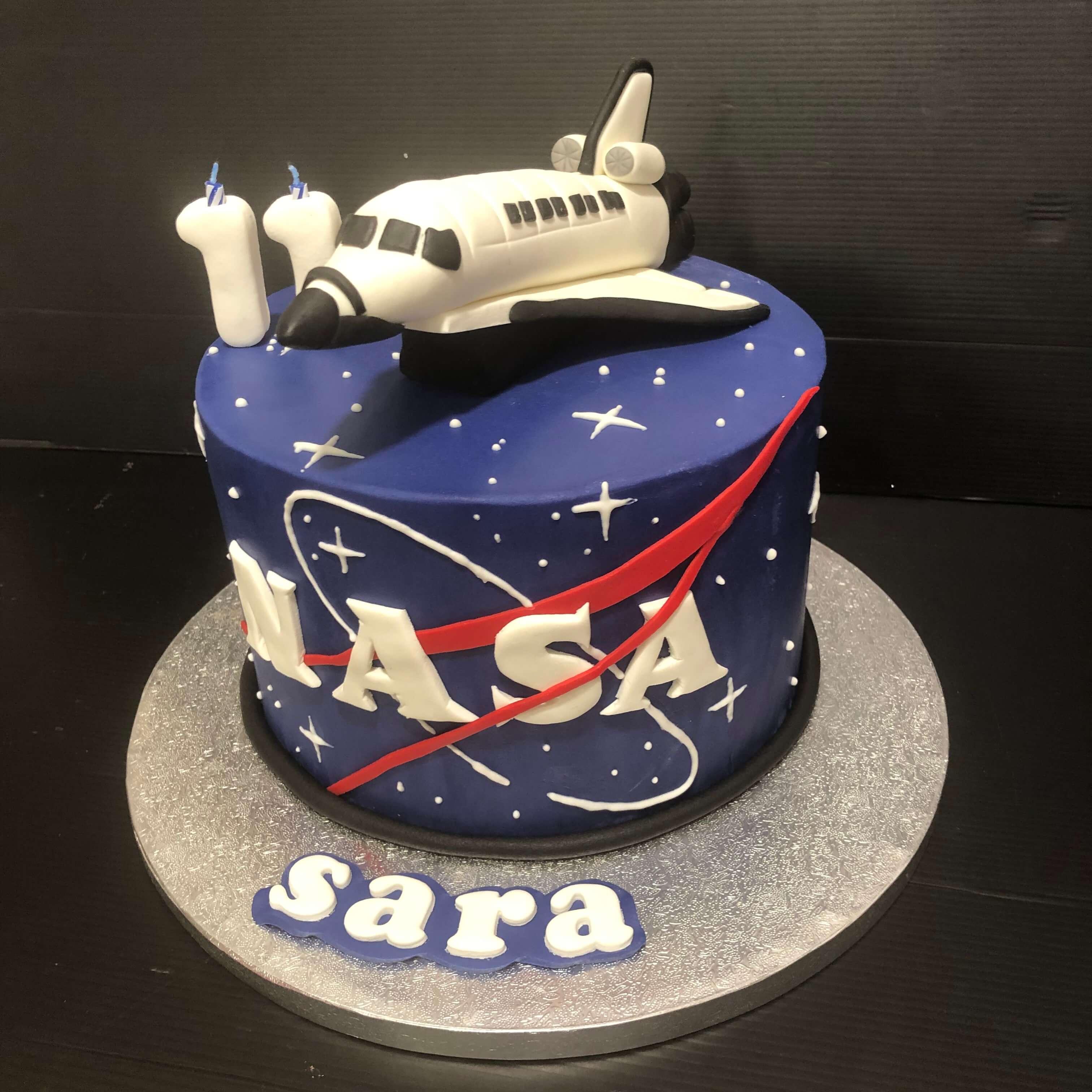 tarta cumpleaños personalizada fondant Nasa astronautas original coruña