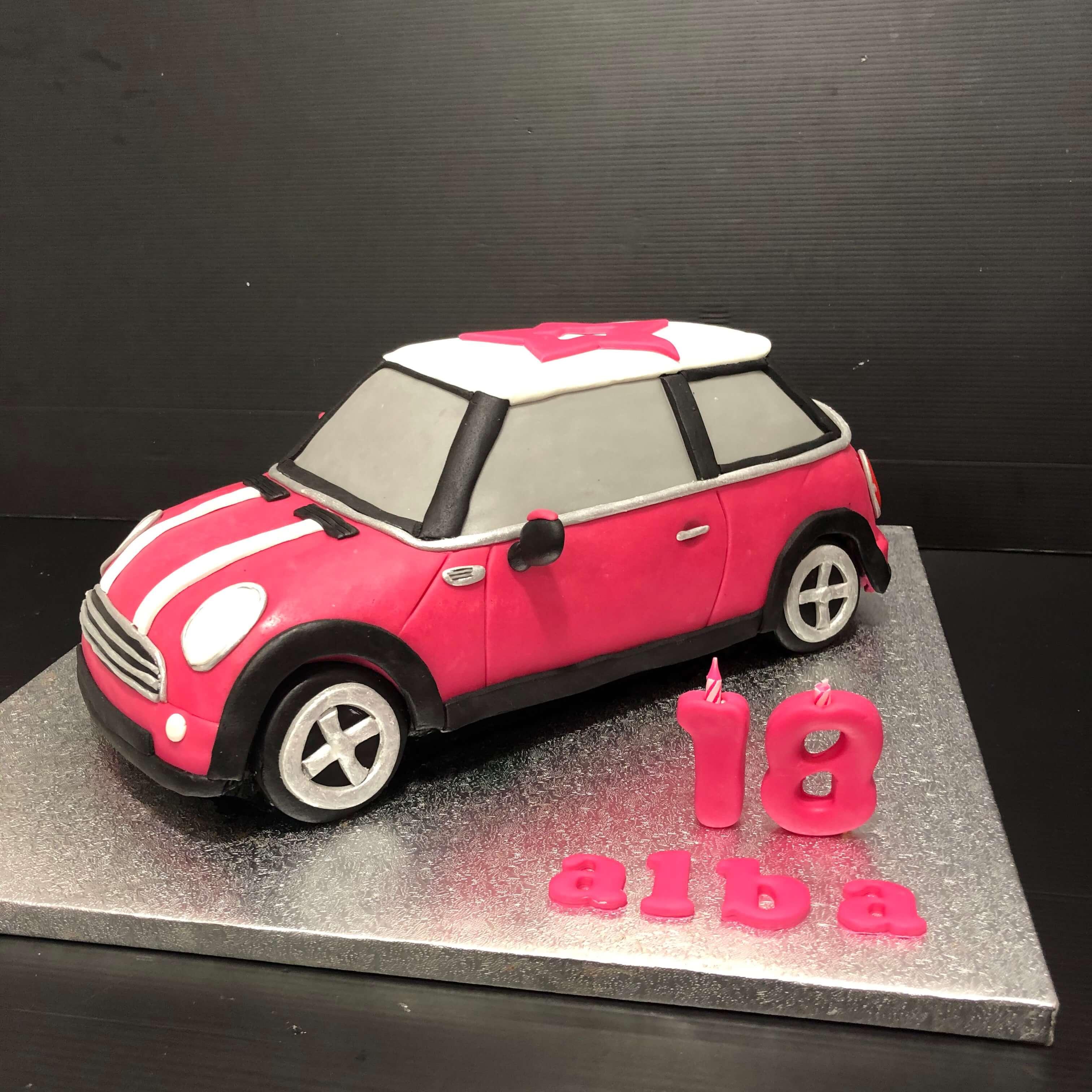 Tarta cumpleaños fondant coche mini cooper coruña  Personalizada original