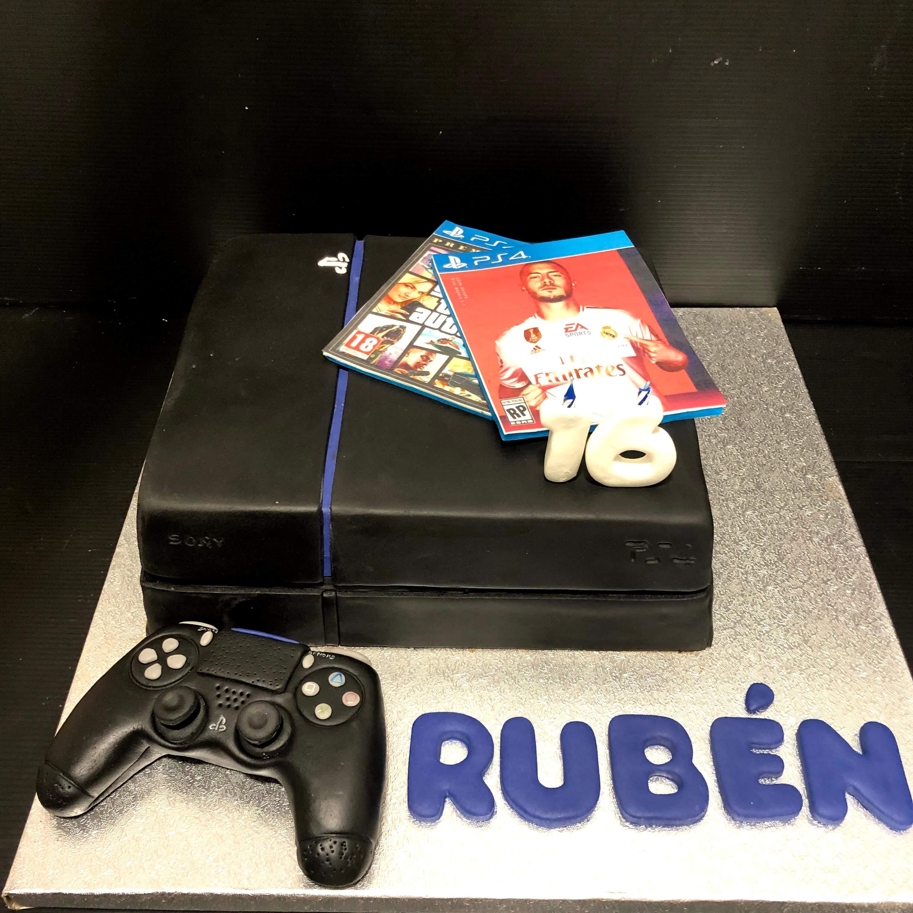 Tarta personalizada fondant cumpleaños Play Station 4 juegos coruña