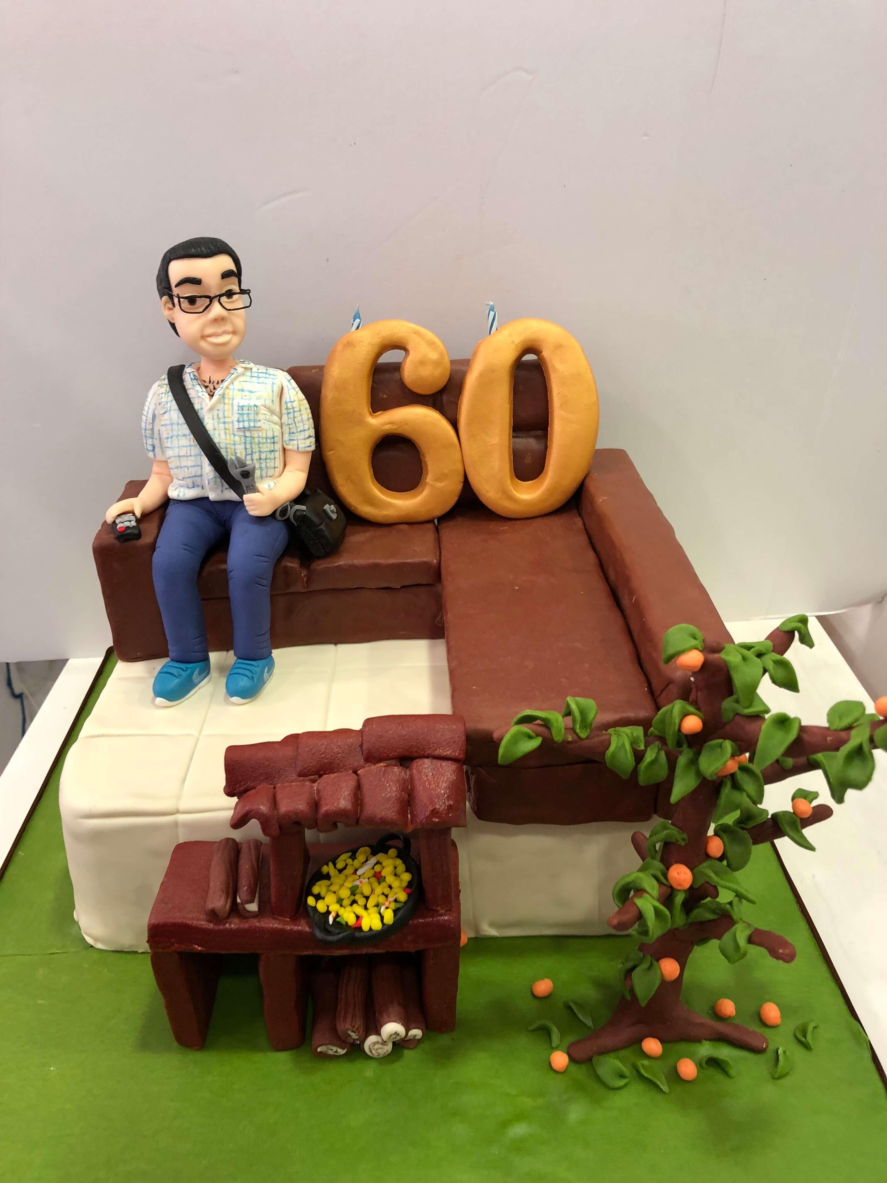 Tarta fondant 60 cumpleaños personalizada sosa señor abuelo chico coruña
