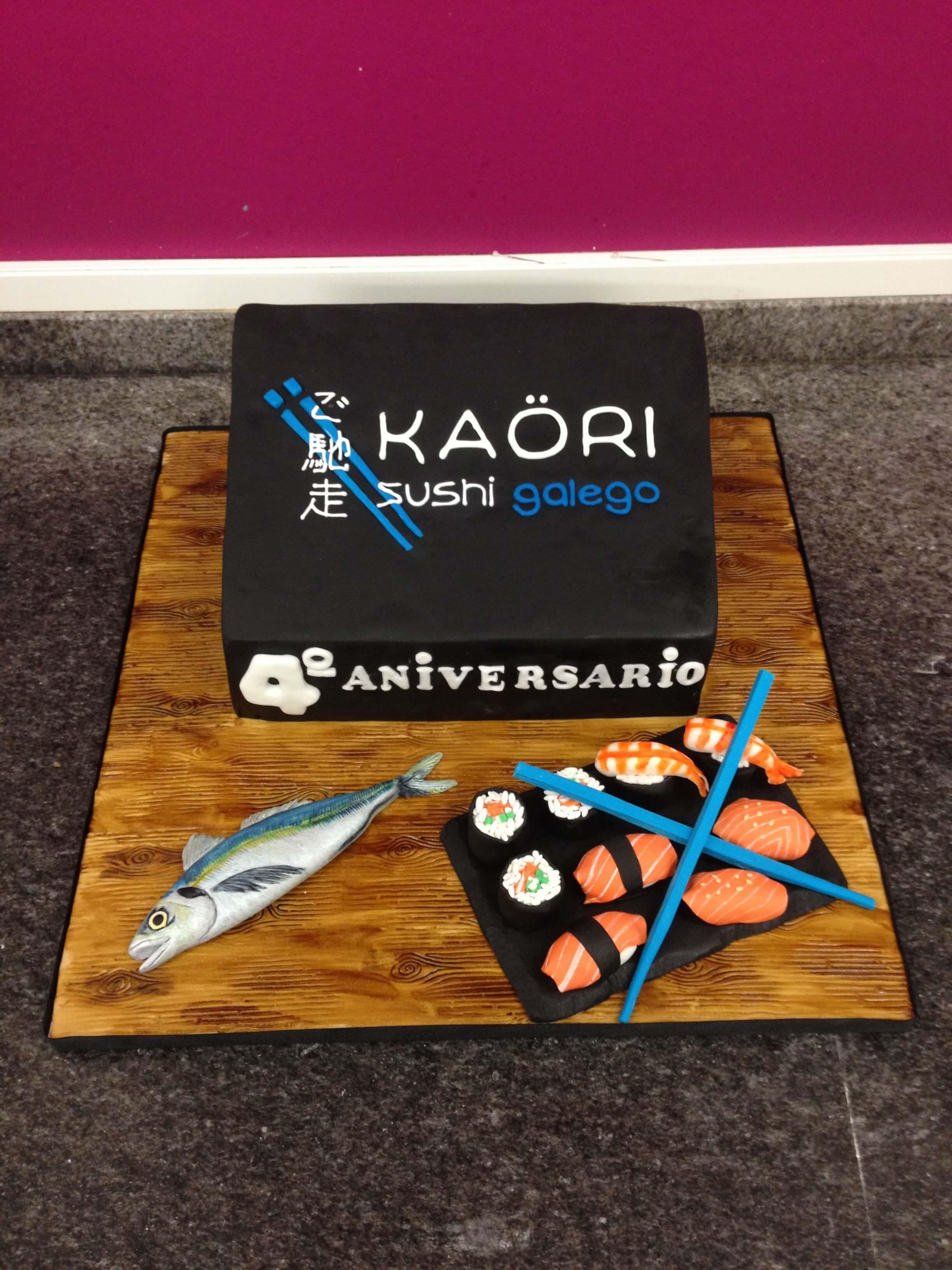 Tarta cumpleaños Comida coruña Sushi