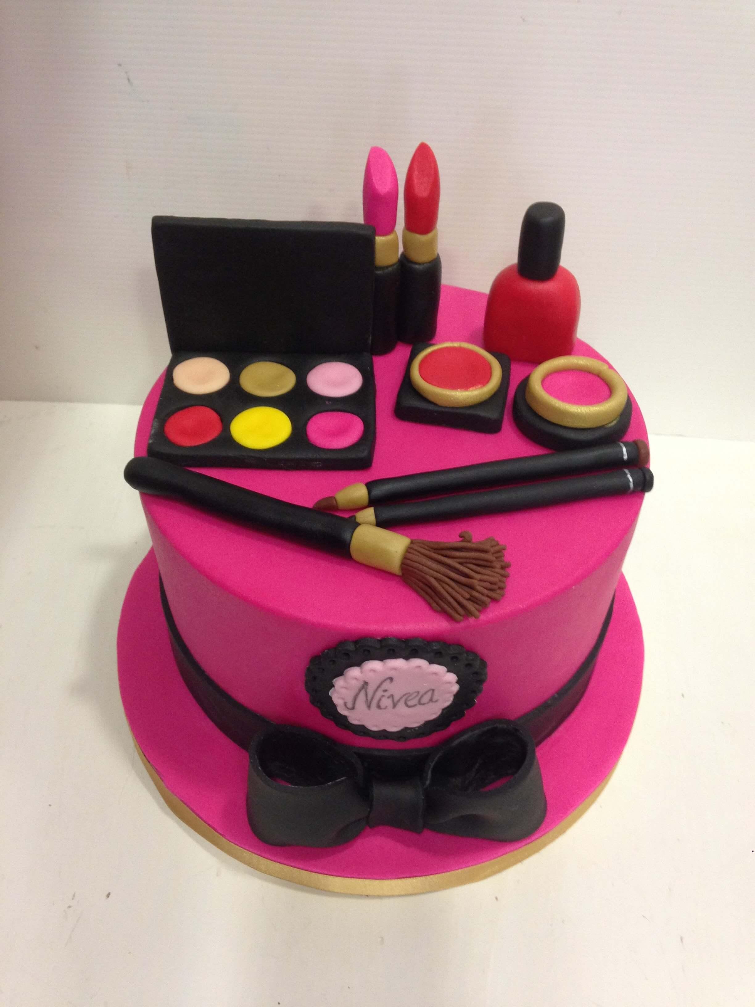 Tarta cumpleaños fondant moda cosmética maquillaje cumpleaños coruña