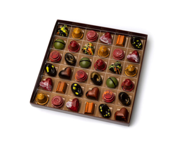 Caja Bombones coruña trufas de chocolate coruña chocolatería coruña bombones trufas de mandarina cajita musicos